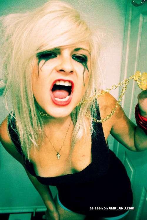 Sizzling Hot Amateur Punk Rocker Sey Cuties From Badass Girlfriends