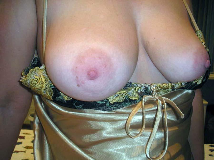 фото больших сосков женской груди