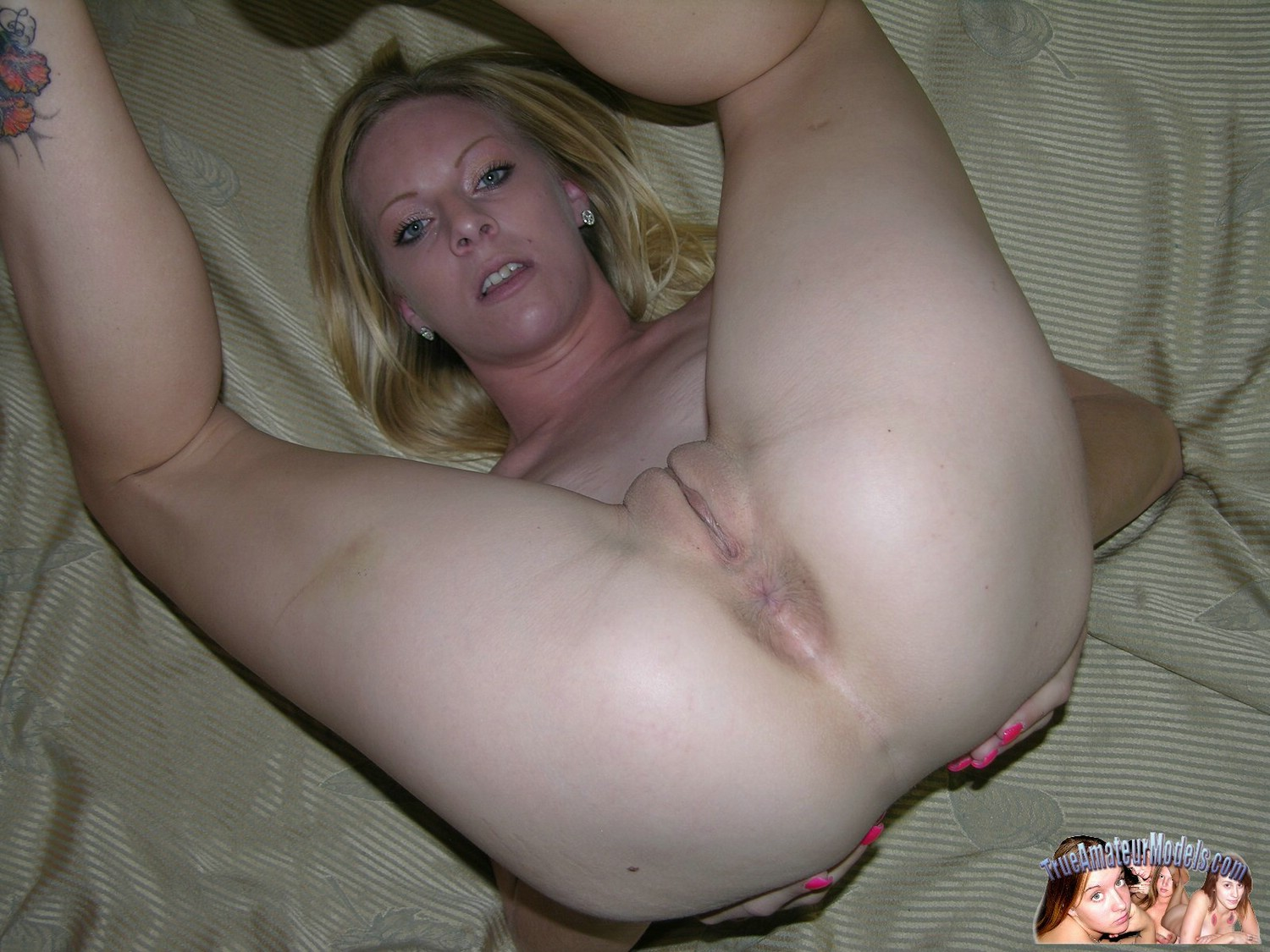 women naked dildo fun