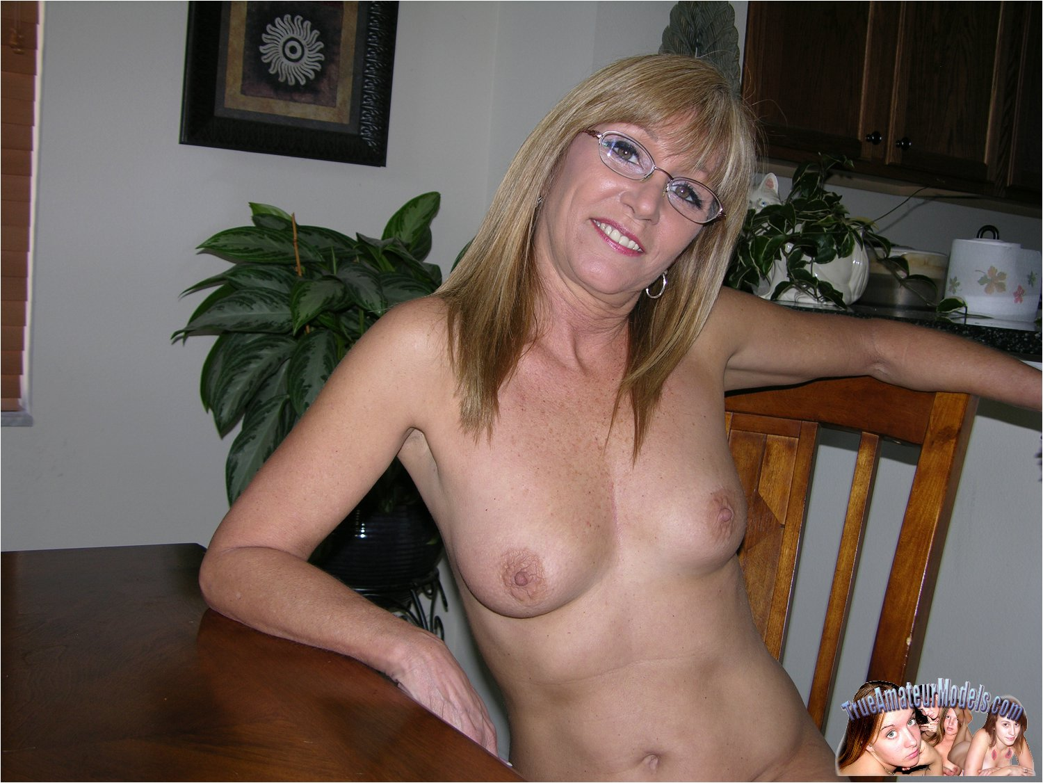 mature with glasses women Nude