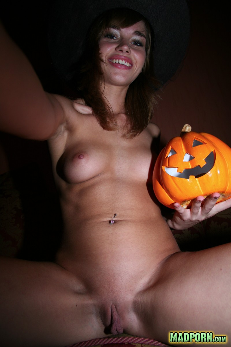 naked halloween party girl